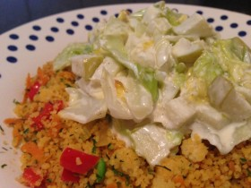 Stuvad färsk kål med couscous